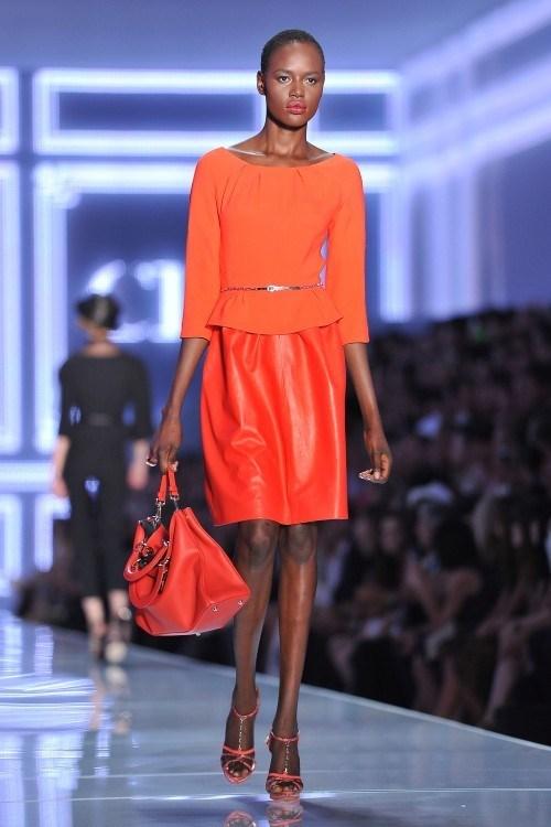 Кожаная юбка 2012 - какую выбрать в новом сезоне