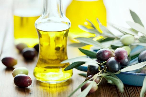 Оливковое масло - Средства от прыщей и следов на коже