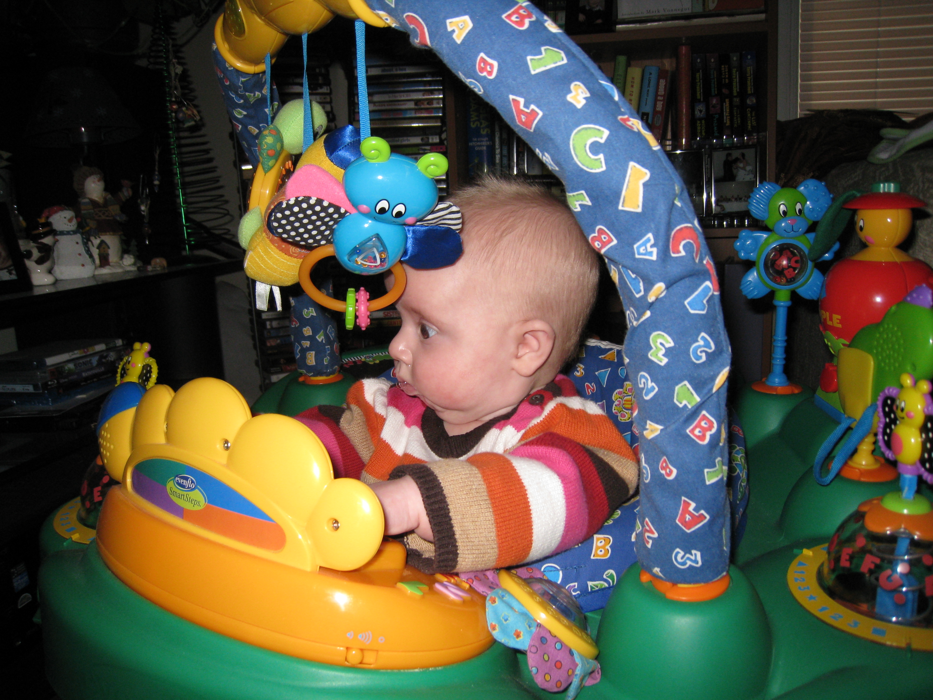 music-and-lights-exersaucer
