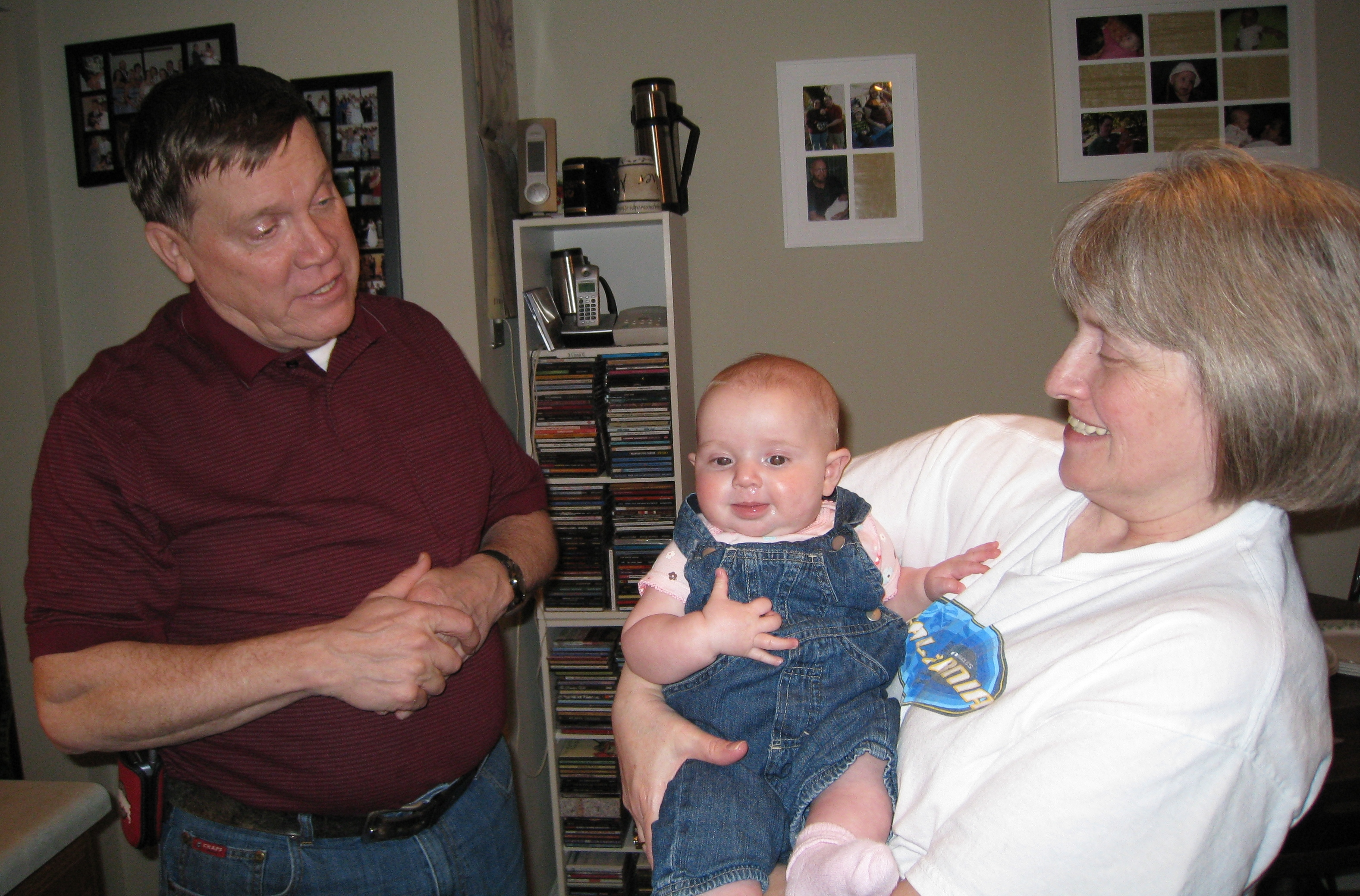 grandpa-and-grandma-talking-to-kivrin1