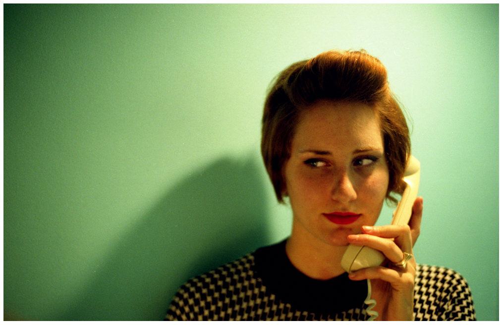 「連絡が取れない」「連絡を取る」って英語で何て言う?