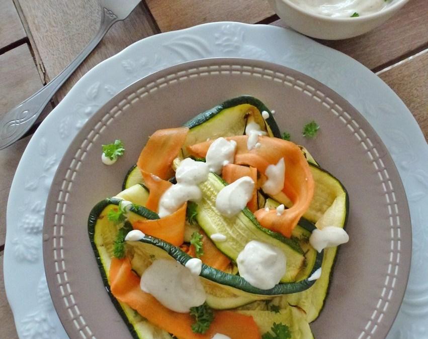 Lasagnes de courgettes et carottes tièdes, sauce légère tofu et cumin