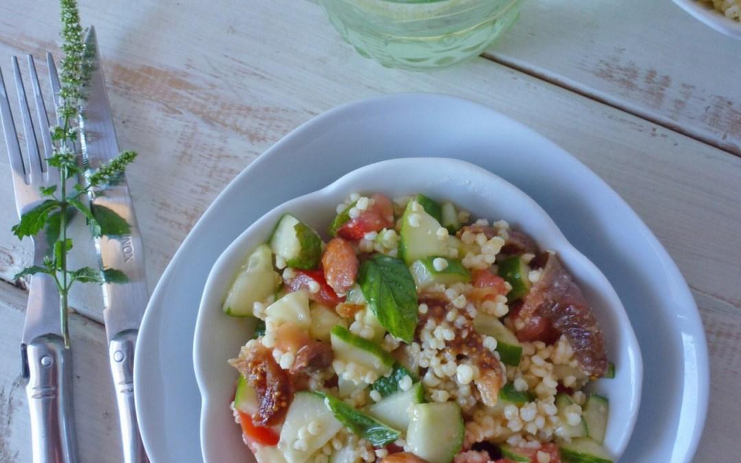 Salade toute douce au millet avec amandes, figue sèche et menthe fraiche. Vinaigrette allégée à l'huile de noisette