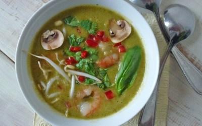 Soupe de légumes et crevettes à la mode thaï