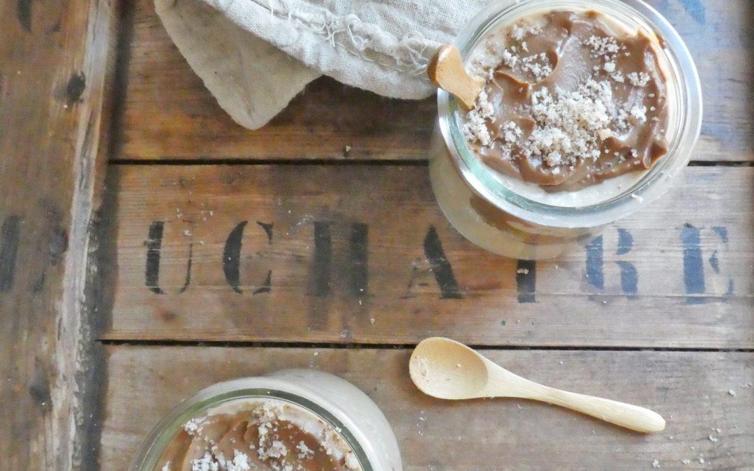Porridge gourmand au lait noisette et sa crème au cacao cru  ( Vegan, sans cuisson, sans gluten )