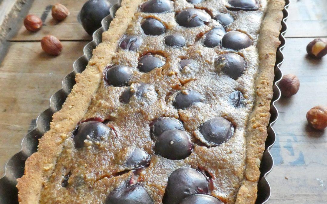 Tarte aux raisins noirs et noisettes  ( Sans gluten, sans lactose, sans beurre, sans huile, ni margarine )