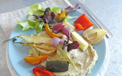 Légumes rôtis sur une crème de pois chiche au lait d'amande  ( Sans céréales, vegan, léger )
