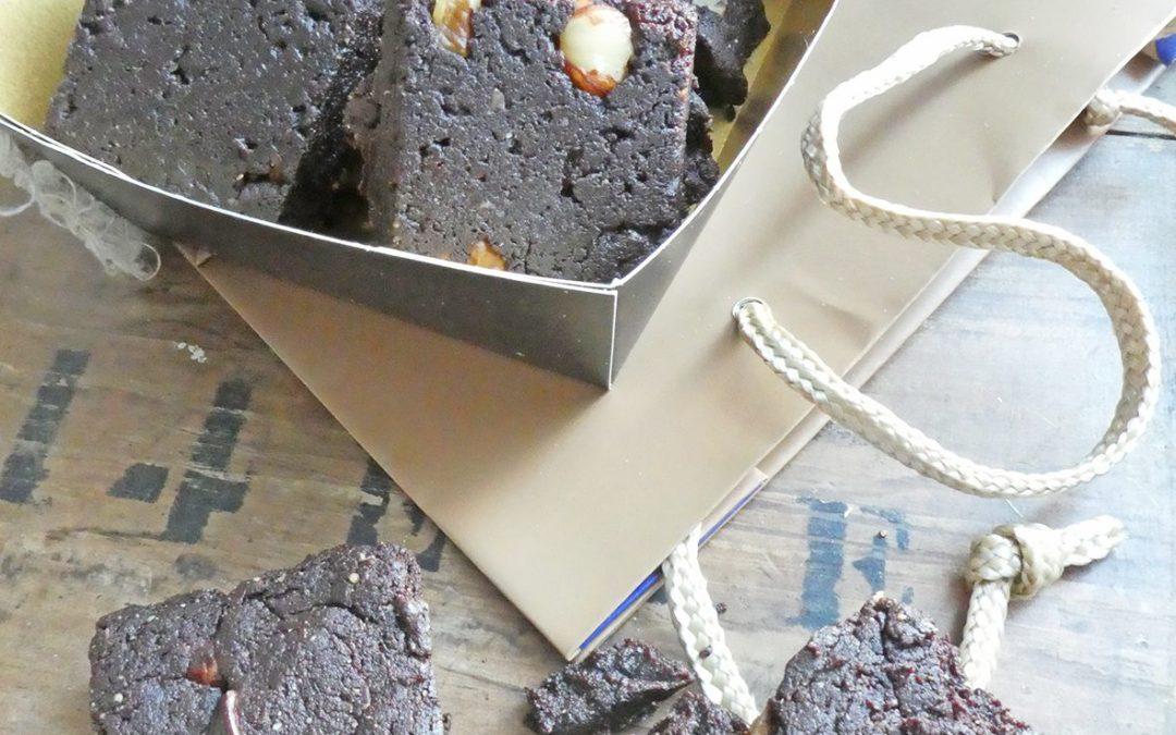Petites bouchées de brownie au beurre de cajou et farine de châtaigne ( Vegan, sans céréales, sans gluten, allégé) )