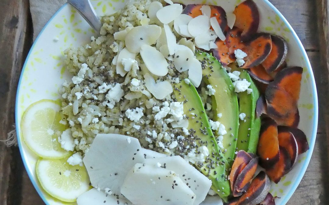 Riz au pesto façon bouddha bowl végétarien