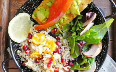 Salade de quinoa à l'aneth, grenade et kumquats