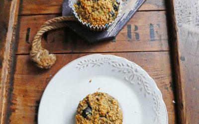 Muffins aux flocons d'avoine et myrtilles ( peu sucrés, vegan )