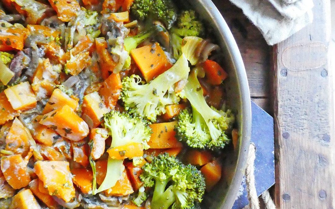 Poêlée de légumes au curry doux ( butternut, brocolis, champignons )
