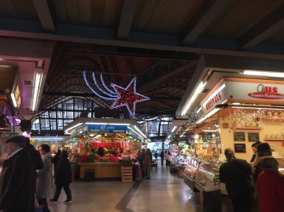The inside of the Mercat de Santa Caterina