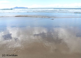 sand reflections