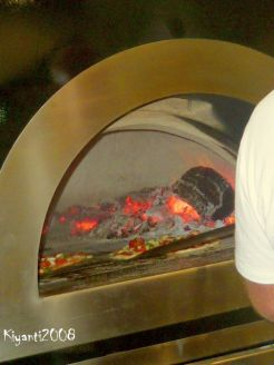 pizza-oven-for-smokey-yummy-pizza