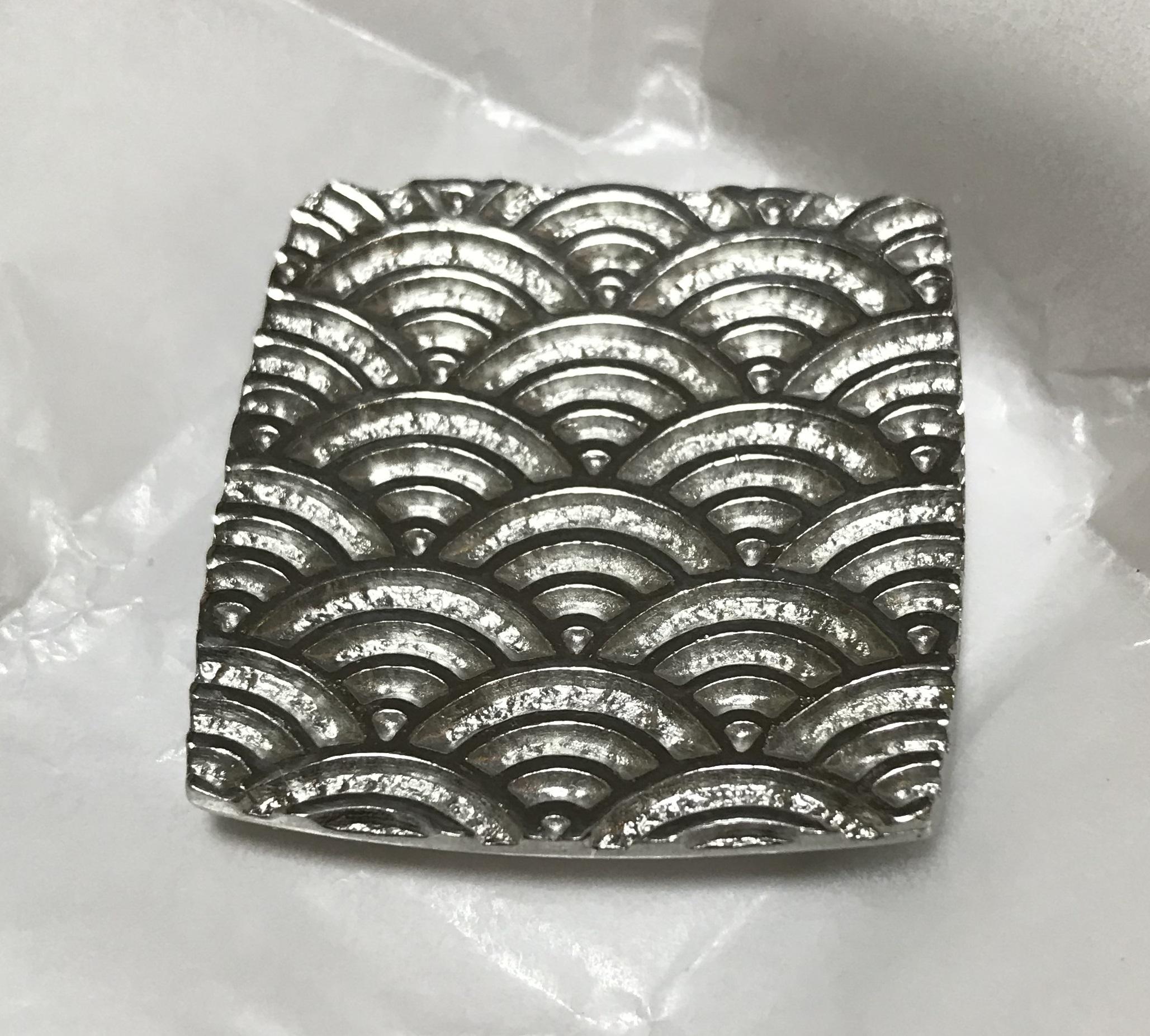 錫の箸置き(青海波)