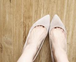 足の甲 白い