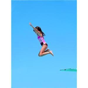 飛び込む ジャンプ