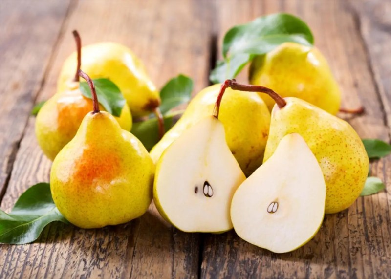 Pear Health Benefits: 7 Reasons to Eat this Incredible Fruit