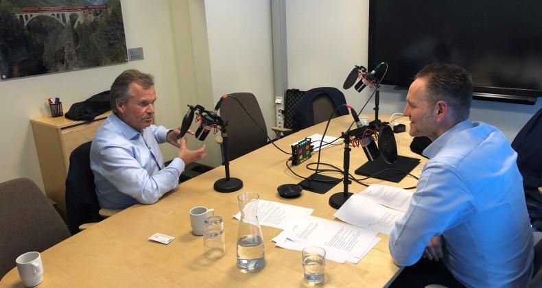 Jan Erik Kjerpeseth i samtale med Finn Haugan, konsernsjef Sparebanken Midt Norge.