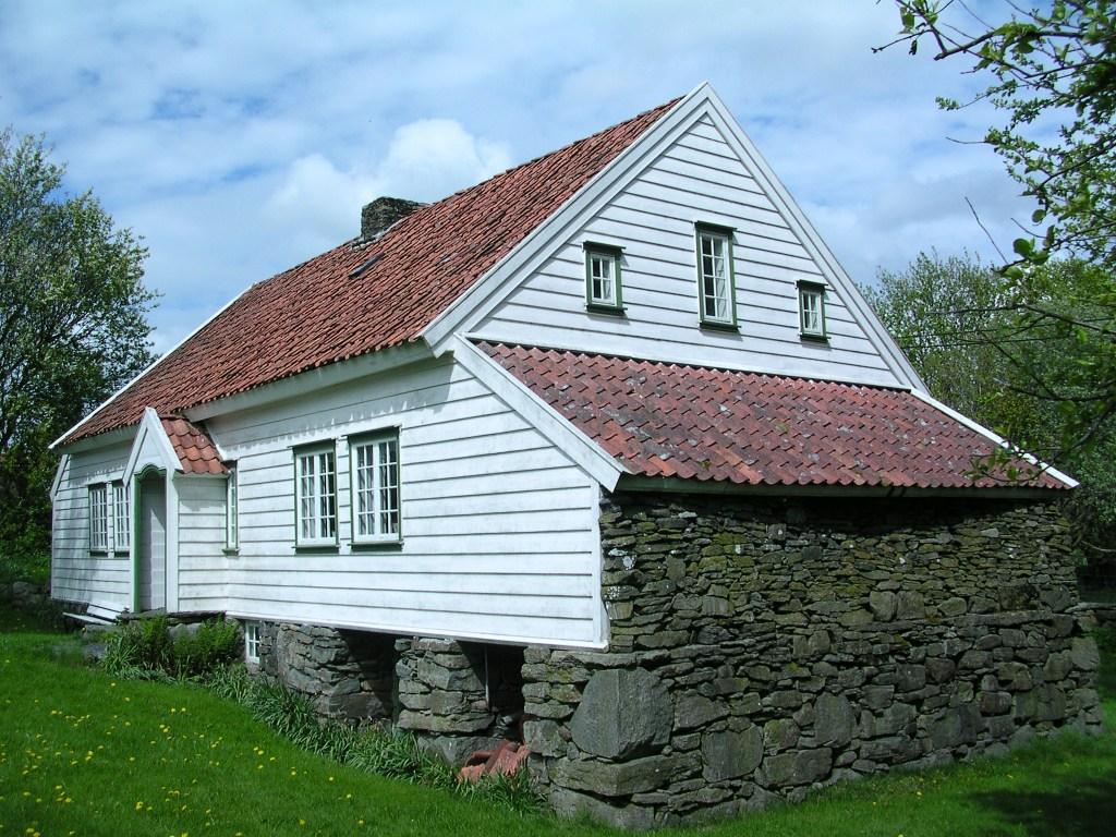 fjerne grønske fra husmur