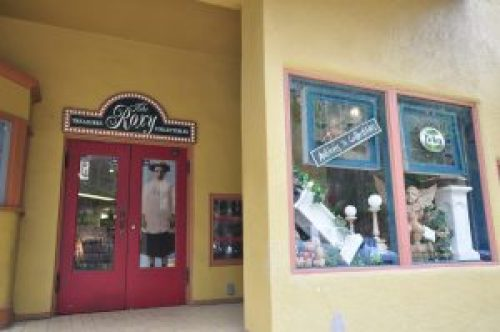 KJsArtStudio.com | Roxy Upper Room of Local Art Expressions - Art Gallery - Eureka Springs - Arkansas