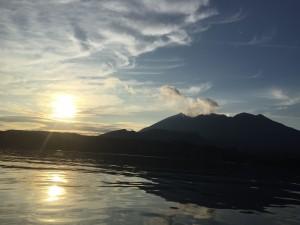 夕日と桜島