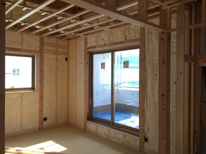 屋根、外壁周りの断熱施工完了1