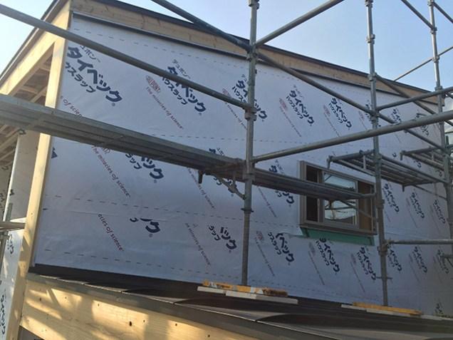3.外壁に透湿防水シート貼 これで雨が降っても大丈夫