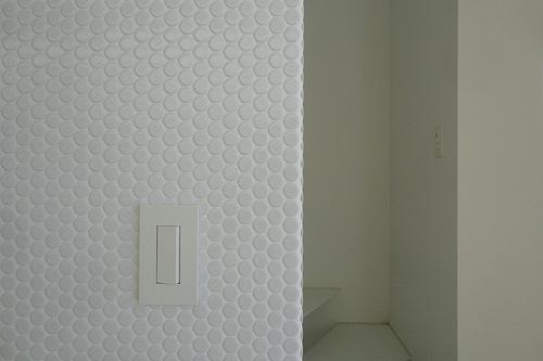 丸タイル壁