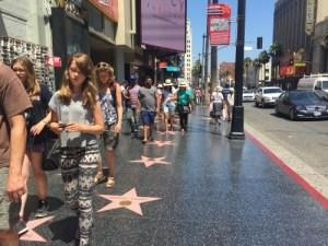 LAのハリウッドまでドライブし、超有名スポットを巡る