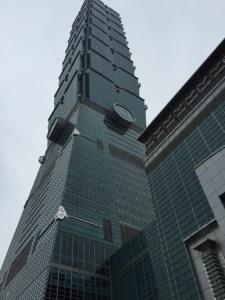 超高層ビル「台北101」の頂上にぼってみた結果・・・