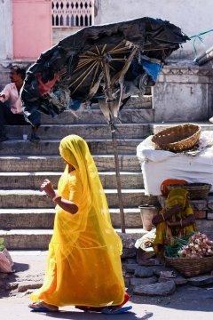 Frau im Sari, Udaipur