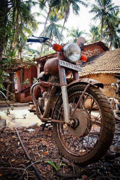 Eine Royal Enfield - bevorzugter Begleider jedes Motorradreisenden in Indien