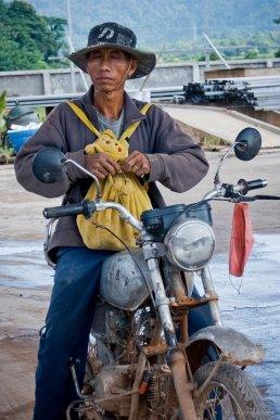 Pikachu-Rider, Vang Vieng