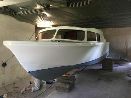 ...das Unterwasserschiff mit GS200 in grün und Grau.