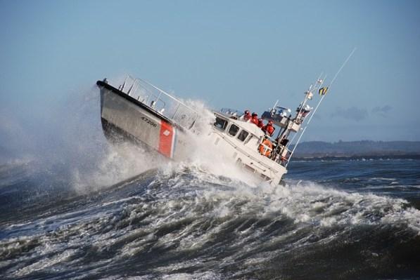 motor-lifeboat-2037942_640