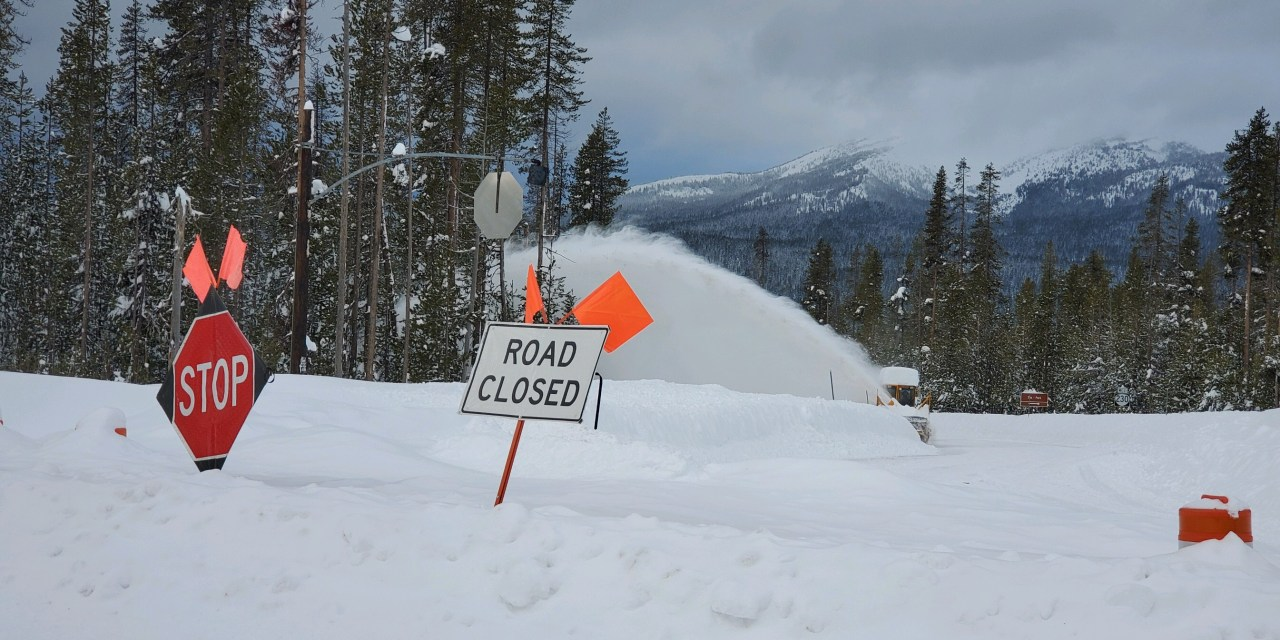 Road Closure Updates: High Cascade Highway Open – 138 East and Highway 62 (Video)