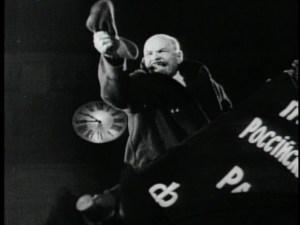 Lenin fer mikinn í Október Eisensteins.