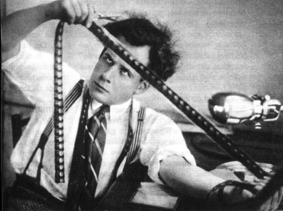 Sergei Eisenstein pósar með lósann.