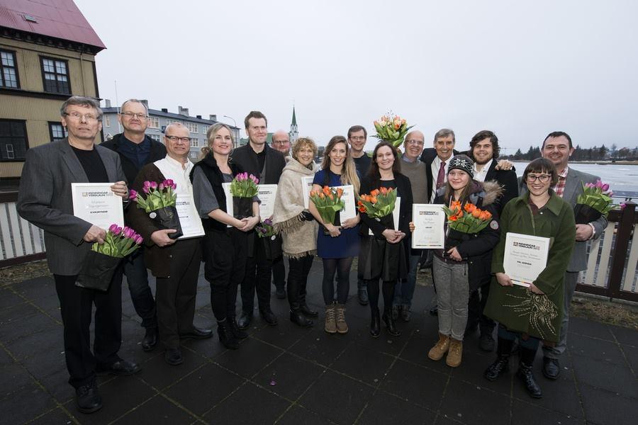 Handhafar Menningarverðlauna DV 2014. Marteinn Sigurgeirsson er lengst til vinstri á myndinni.