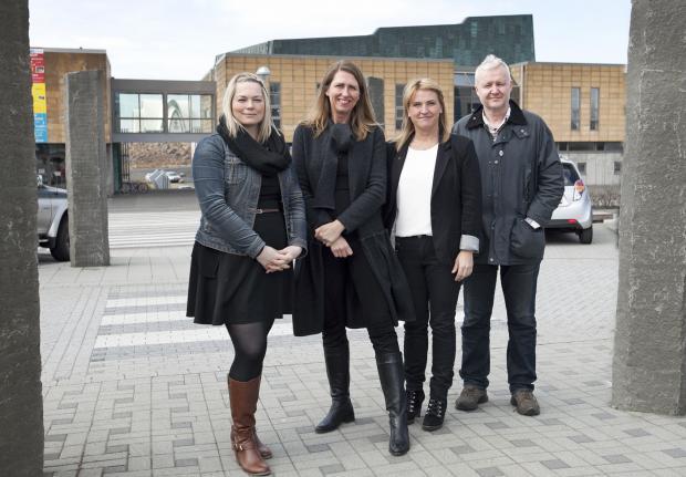 Una Björg Einarsdóttir, Hrönn Marinósdóttir, Karen E. Halldórsdóttir og Hjálmar Hjálmarsson við undirritun samstarfssamnings RIFF og Kópavogsbæjar í dag.