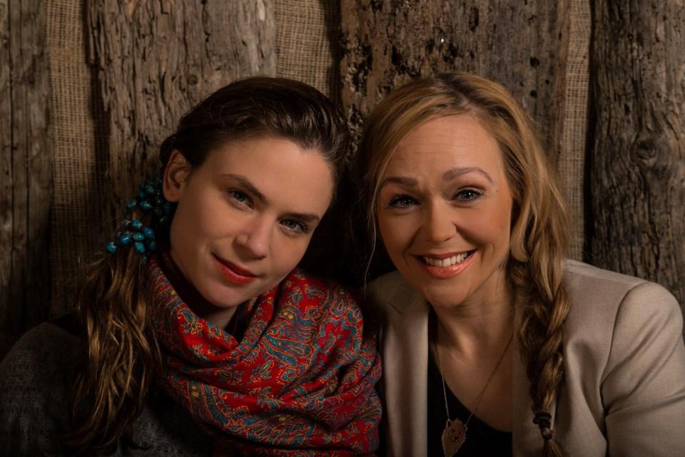 Harpa Fönn Sigurjónsdóttir og Halldóra Rut Baldursdóttir kalla sig Örverpin, umsjónarmenn Örvarpsins.
