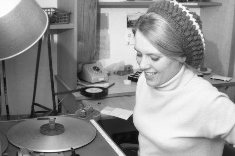 1966-68: Ása Finnsdóttir klippari og þula.