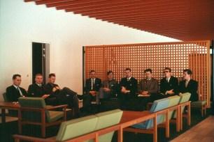 Sigurliði Guðmundsson - Ingvi Hjörleifsson - Guðmundur Eiríksson - Sigurður Einarsson - Jón Hermannsson - Örn Sveinsson - Úlfar Sveinbjörnsson - Þórarinn Guðnason - Sverrir Kr. Bjarnason. Við komuna til ´DR í desember 1965.