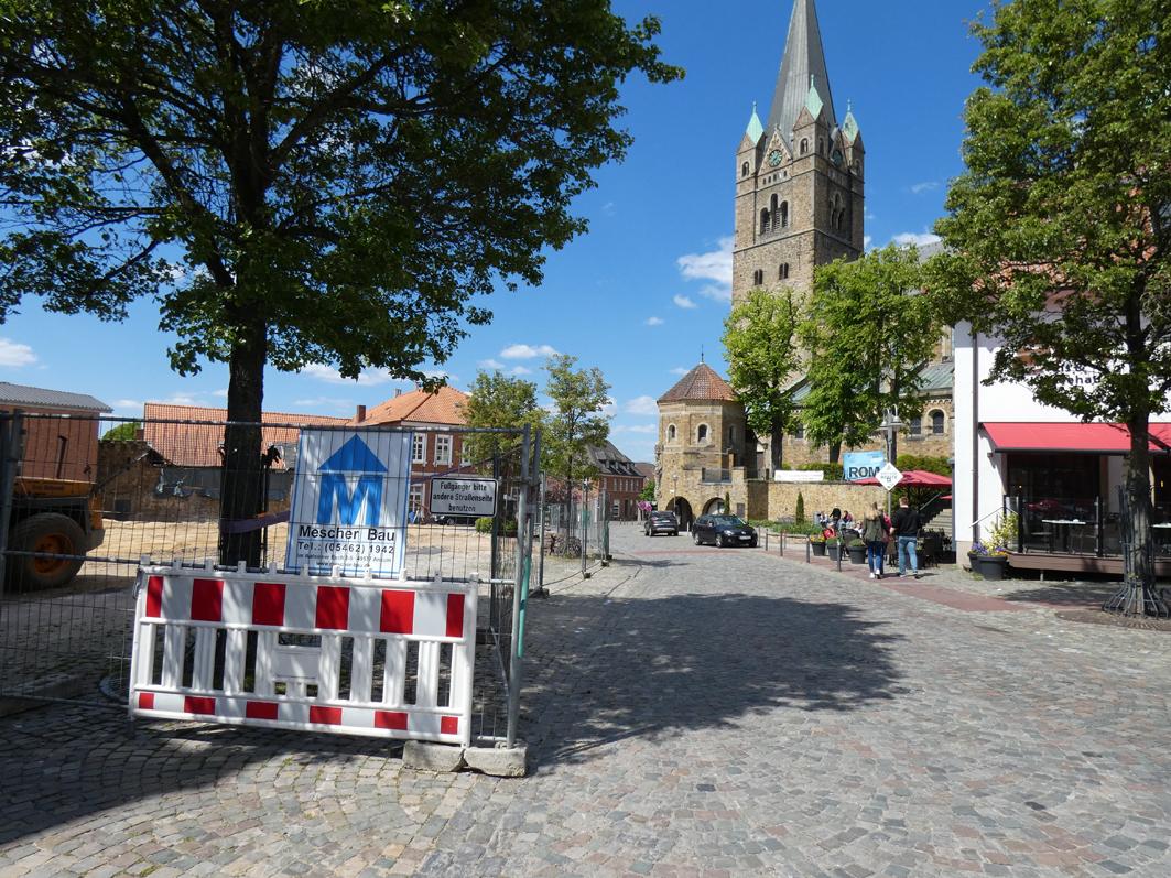 Baustellen-Enge und Park-Debatte in Ankum