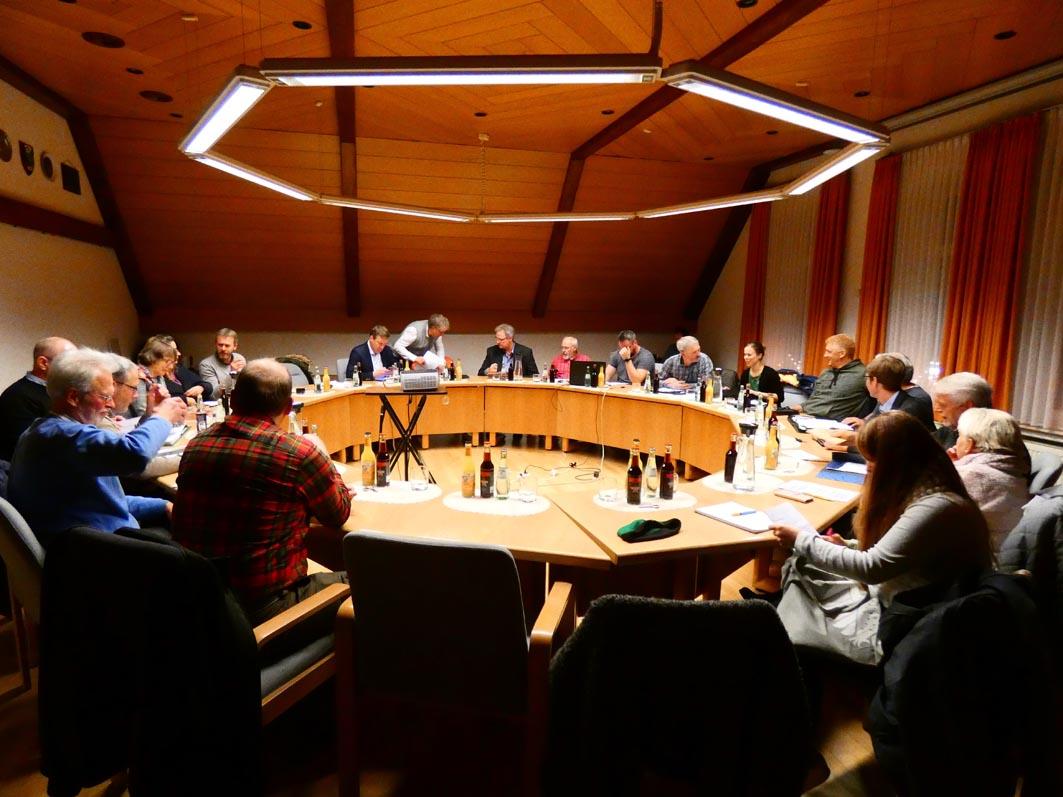 Kleinkinderbecken: Einstimmigkeit im Rat