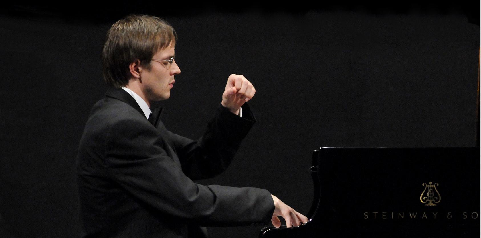 Dmitri Demiashkin, Klavier