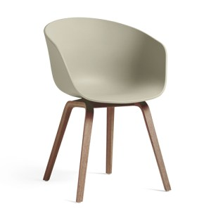 Hay About A Chair (AAC22) - Pastel Green - Valnød