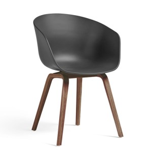 Hay About A Chair (AAC22) - Soft Black - Valnød